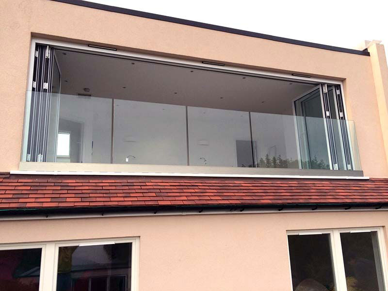 Glass juliet balustrade