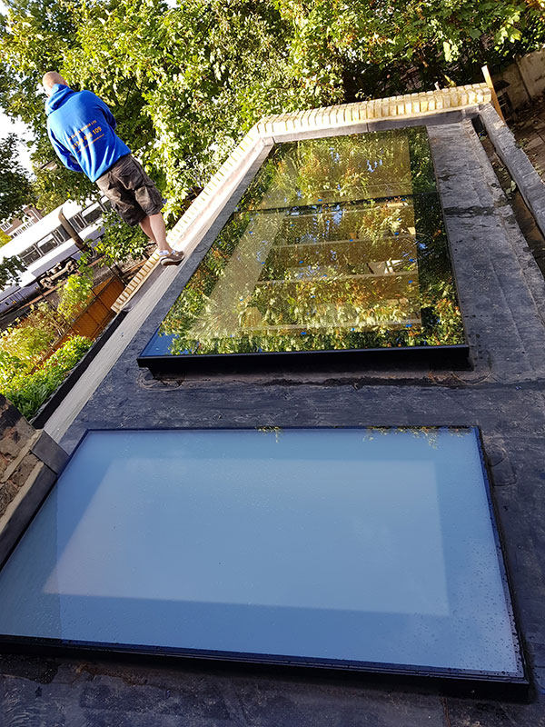 Obscured glass roof light