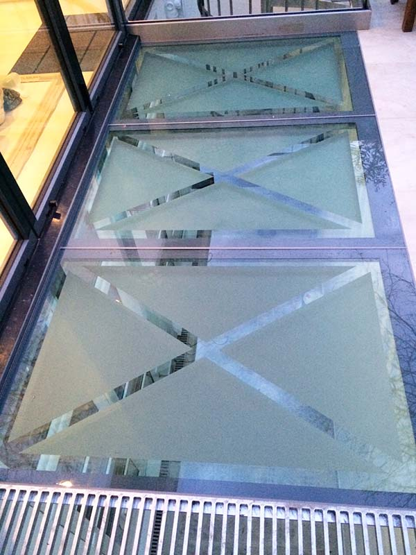 Glass Floor02